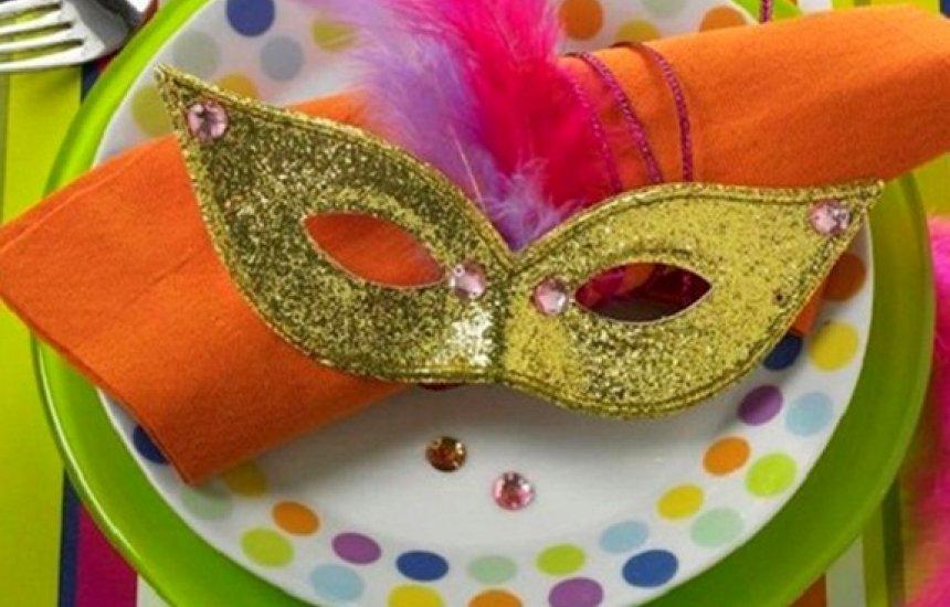 [Carnaval 2019: especialista fala como cuidar da alimentação e curtir a folia]