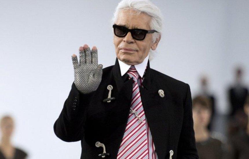 [Morre o estilista Karl Lagerfeld, diretor da Chanel, aos 85 anos]