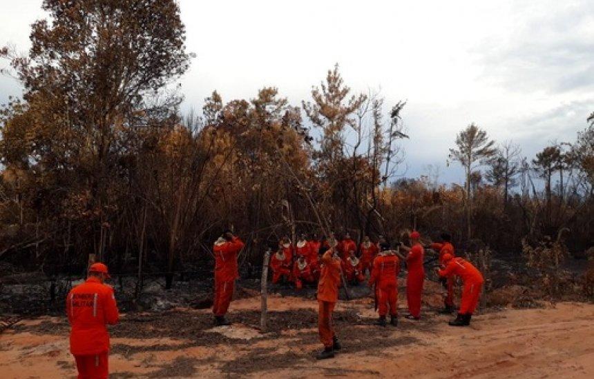 [Programa Bahia Sem Fogo atua em incêndios florestais no interior do estado]