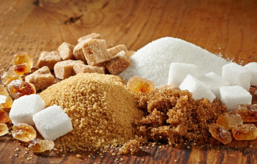 [O que acontece com a nossa pele quando ingerimos muito açúcar]
