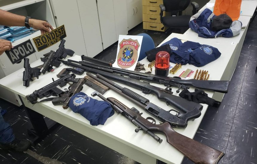 [Operação da SSP e PF apreende fuzis, metralhadoras e rifle de facção criminosa]