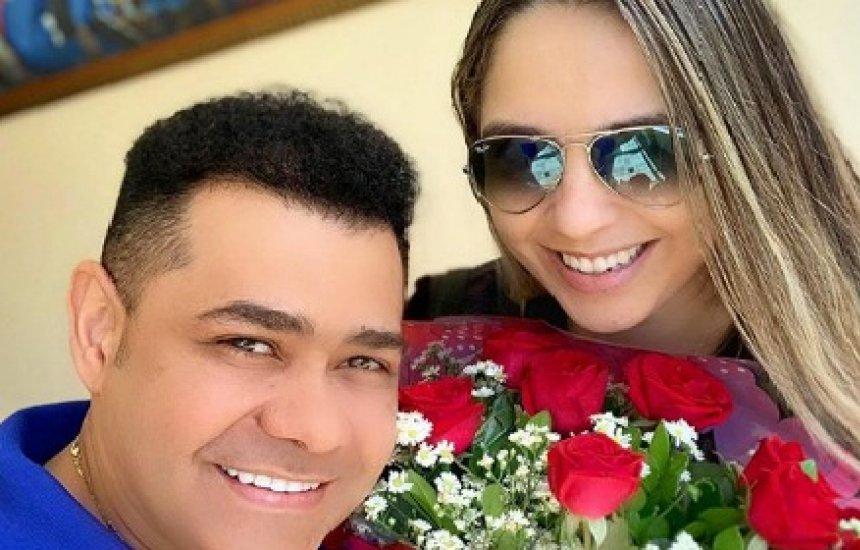 [Batista Lima, ex-Limão com Mel, e esposa sofrem acidente de carro]