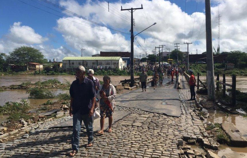 [Cidade baiana receberá R$ 265 mil após rompimento de barragem]