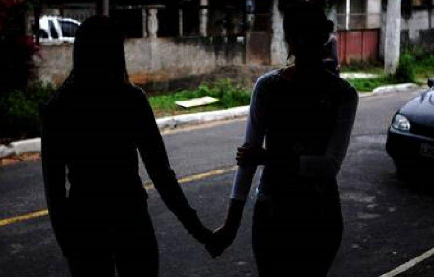 [Duas jovens são raptadas, estupradas e deixadas em via perigosa de Simões Filho]