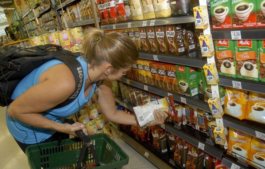 [Anvisa abre consulta pública para debate sobre rótulo em alimentos]