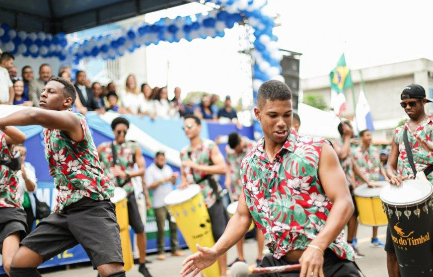 [Escolas e grupos culturais marcam Desfile Cívico de Monte Gordo]