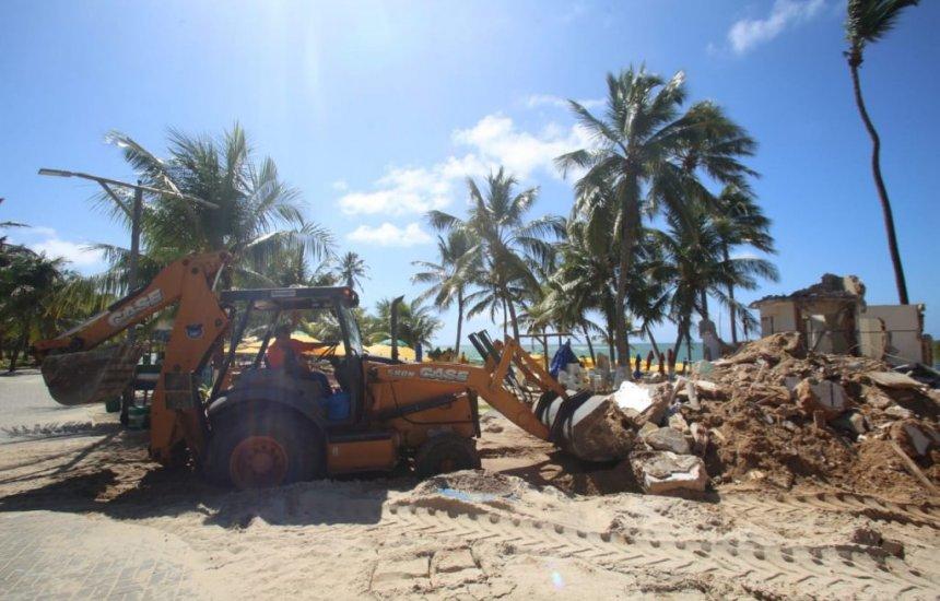 [Banheiro na praia de Guarajuba é removido por recomendação da SPU]