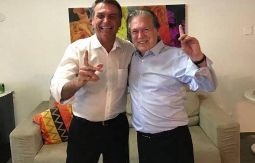 [Bivar diz que não pretende expulsar Bolsonaro do PSL: 'Nem passa pela cabeça']