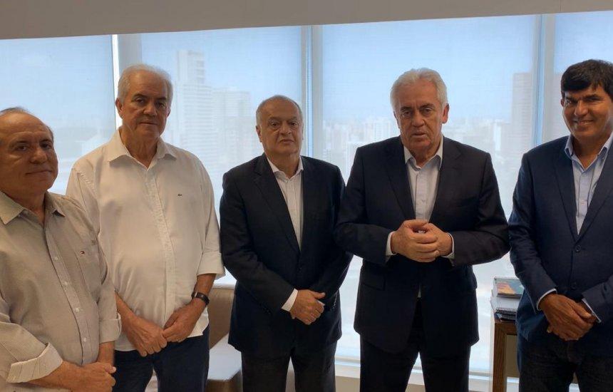 [Senador Otto oficializa pré candidatura de Geraldo Requião a prefeitura de Dias d'Ávila]
