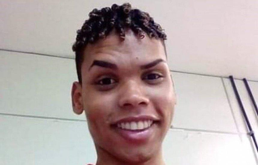 [Jovem morre após ser esfaqueado em bar de Salvador e família aponta homofobia]