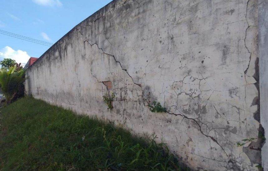[Leitor alerta para risco de desabamento de muro na Gleba E]