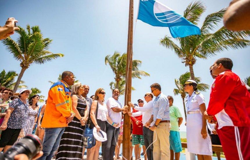 Solenidade marca entrega e hasteamento da Bandeira Azul em Guarajuba