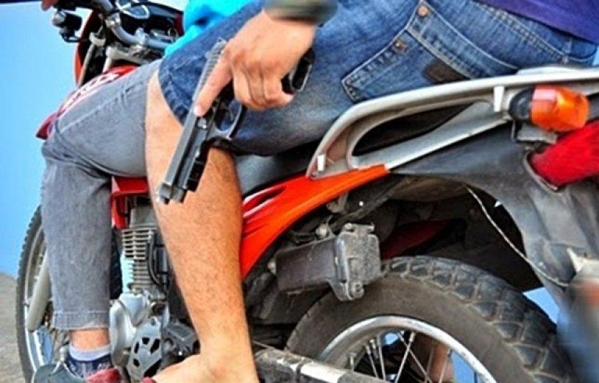 [Motocicleta é tomada de assalto em Camaçari]