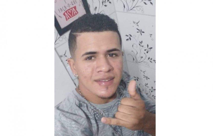 [Familiares estão em busca do paradeiro de jovem desaparecido em Camaçari]