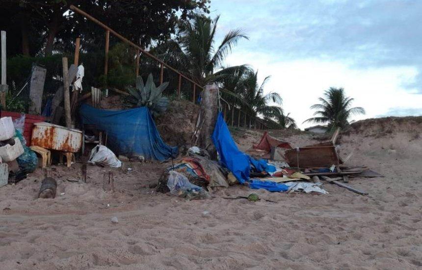 [Vendedores ambulantes reclamam de desocupação em Guarajuba]