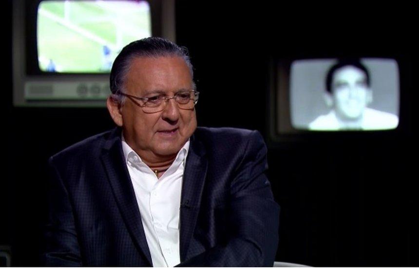 [Galvão Bueno sente mal-estar, e Luis Roberto vai narrar a final da Libertadores]