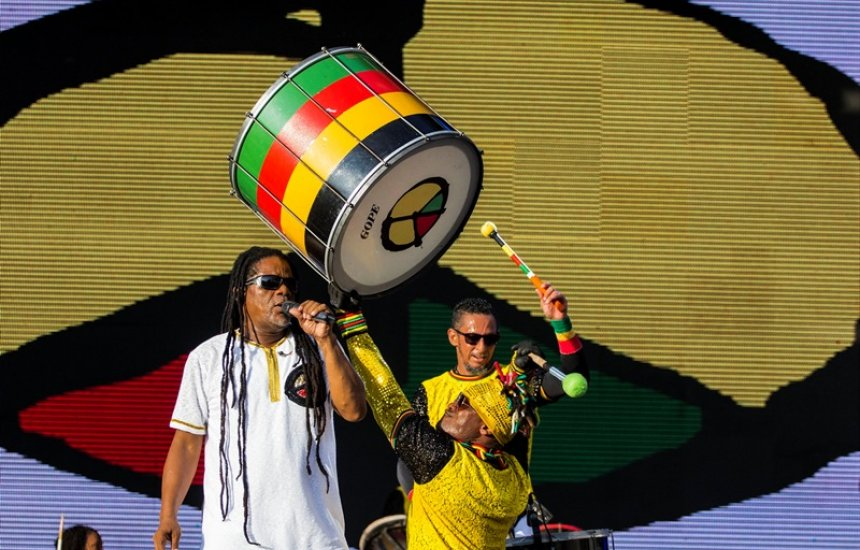 [Olodum comemora 40 anos de samba-reggae original no Concha Negra]