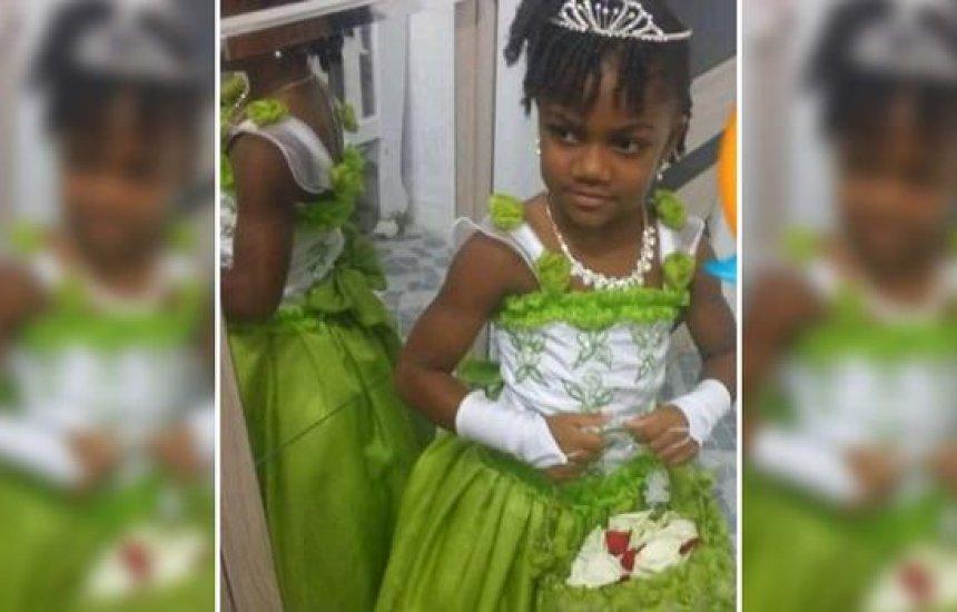 [Criança morre esmagada após pilastra cair durante brincadeira dentro de casa em Salvador]