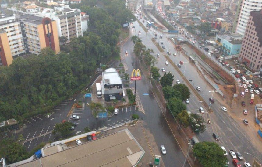 [Chuvas causam alagamentos e transtornos na Bahia; Codesal alerta para risco de deslizamento]