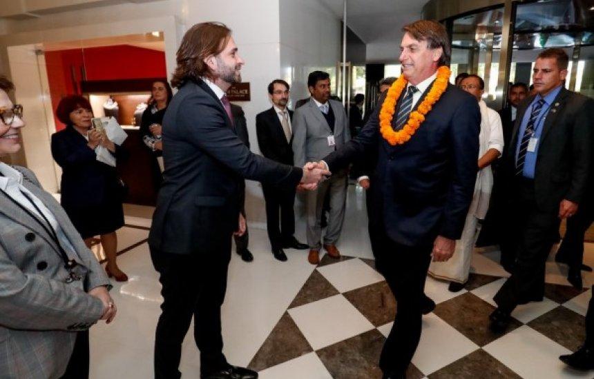 [Bolsonaro diz que vai destituir secretário da Casa Civil que viajou para Índia com jato da FAB]