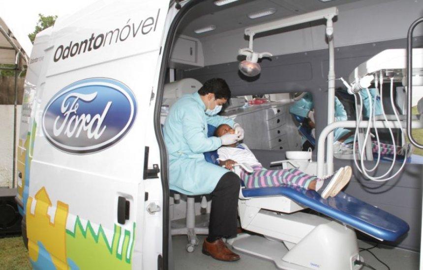 [Ford lança Odontomóvel para atender gratuitamente alunos de Dias d'Ávila]