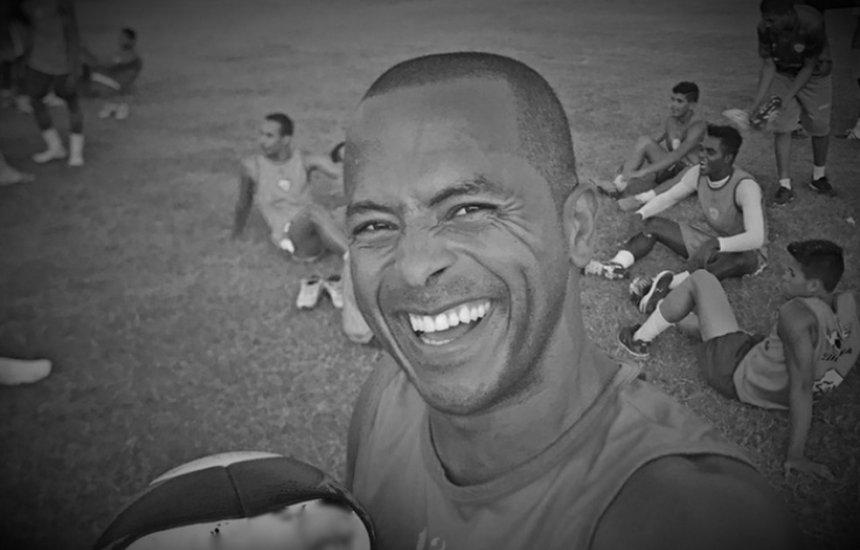 [Ex-atacante do Vitória, André Balada morre vítima de infarto aos 42 anos]