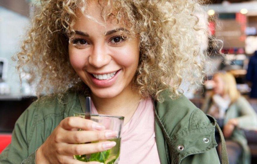 [Chá de hortelã: 7 benefícios e passo a passo desse poderoso chá]