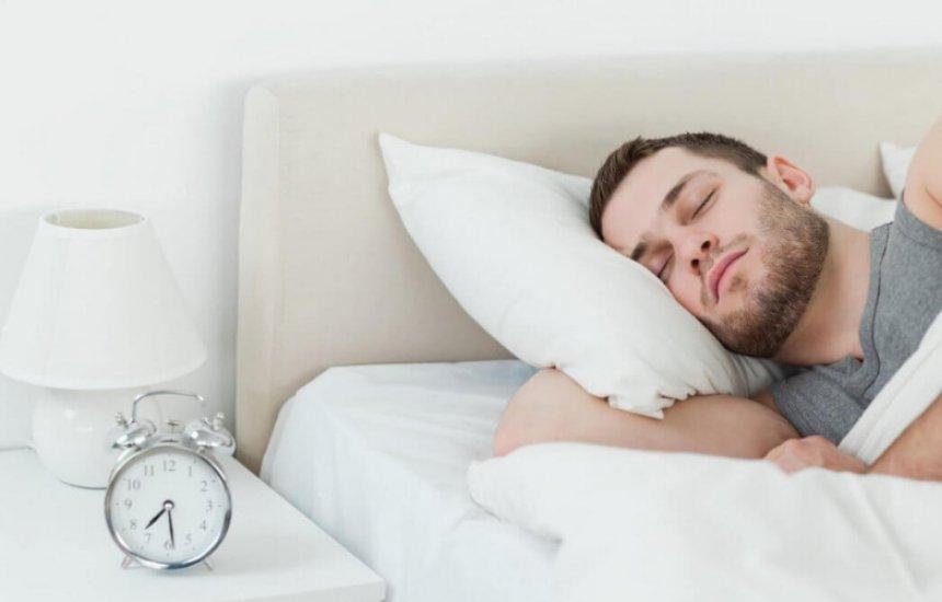 [Suor noturno: 6 motivos que causam o desconforto e como evitá-los]