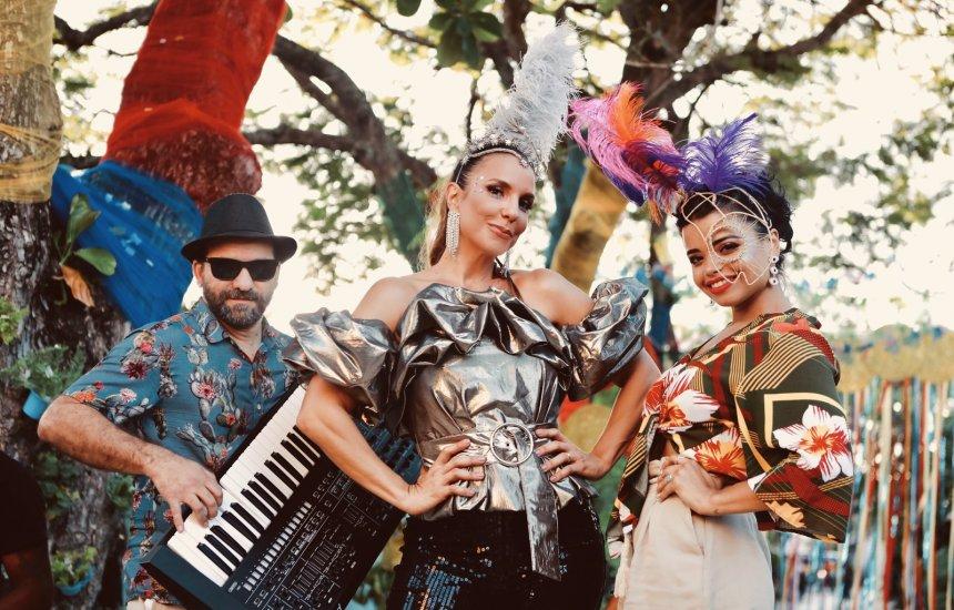 [Bahia Folia: 'O Mundo Vai', de Ivete Sangalo, é eleita música do carnaval 2020]