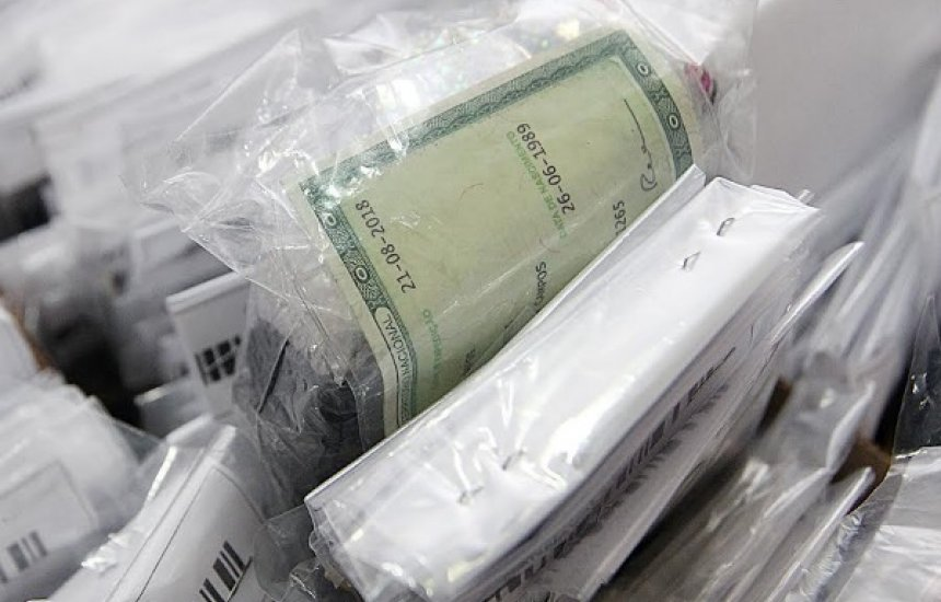 [Polícia Militar devolve objetos e documentos perdidos durante o Carnaval]
