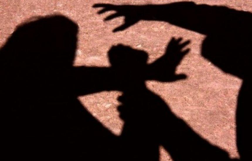 [Mulher denuncia marido por estuprar enteada de 13 anos dentro de casa em Salvador]