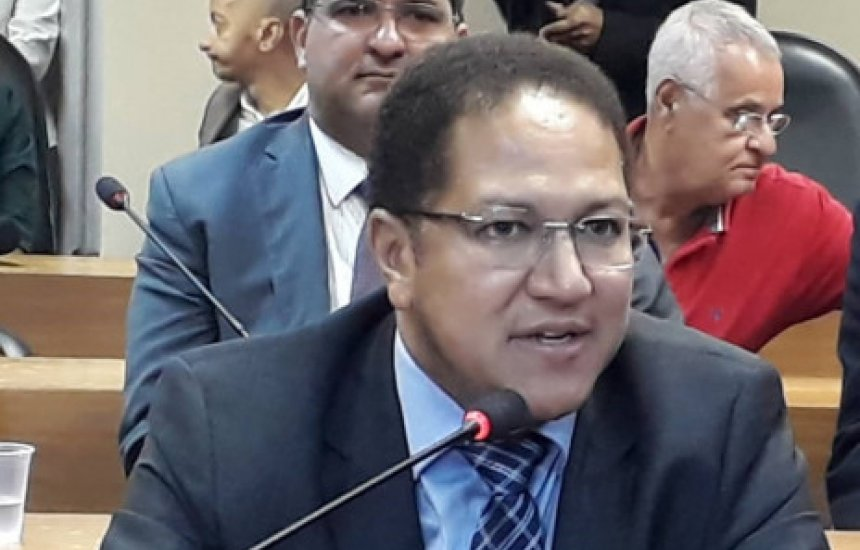[Internado em UTI, ex-deputado baiano Augusto Castro testa positivo para coronavírus]
