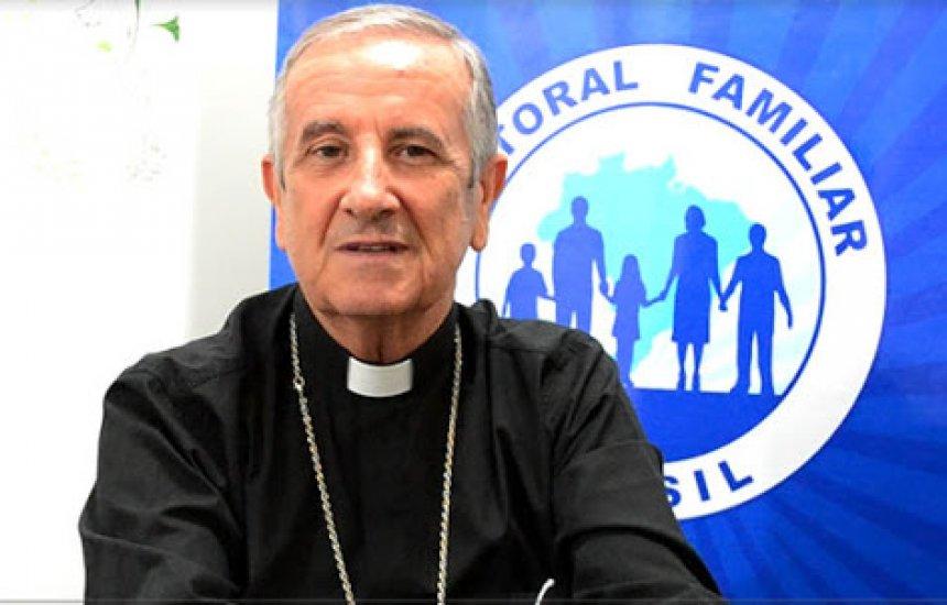 [Dom Petrini envia mensagem ao povo depois da bênção do Papa Francisco]