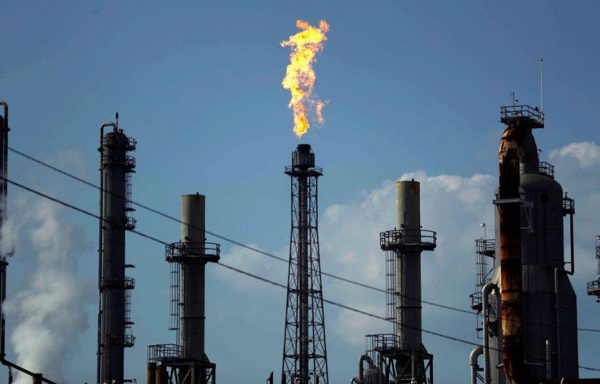 [Petróleo despenca 8% e atinge menor valor desde 2002]