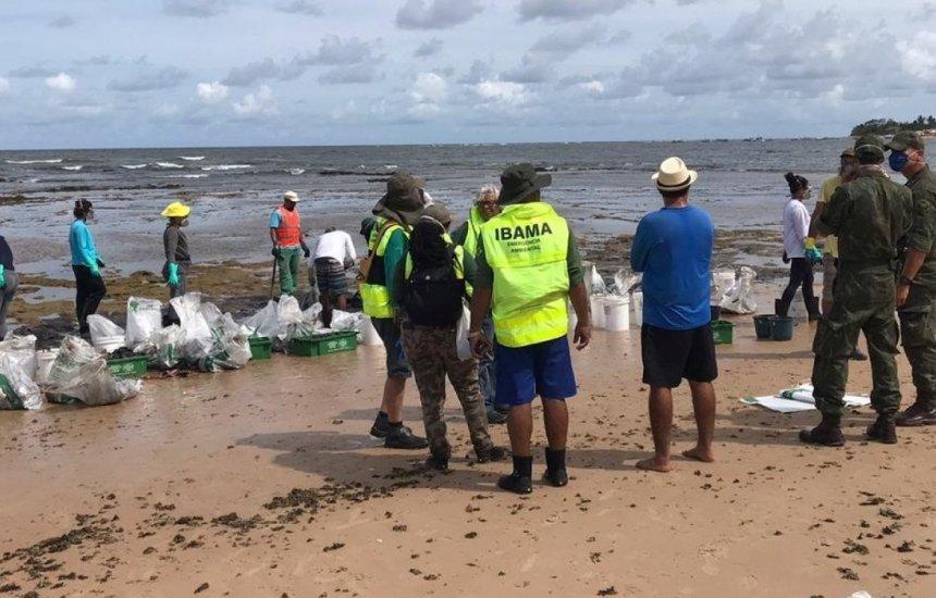 [Mais de 5 mil toneladas de óleo já foram recolhidas das praias brasileiras]