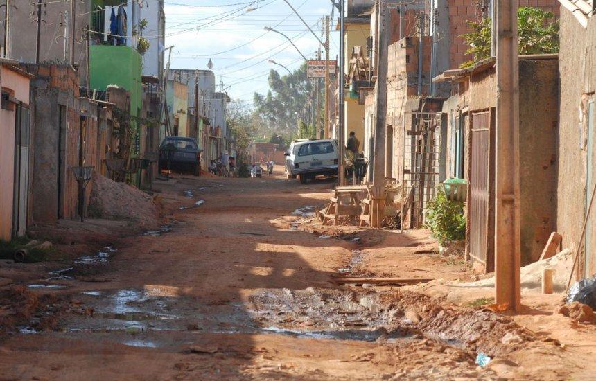 [Um em cada dez domicílios no Brasil joga esgoto na natureza]