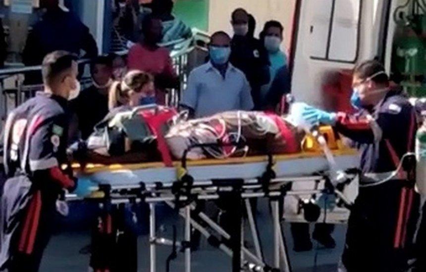 [Homem de 55 anos tem parada cardíaca após esperar 6 horas em fila da Caixa]