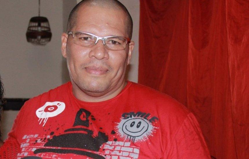 [Família de vítima da Covid-19 diz que carregou corpo após hospital negar ajuda: 'Triste']