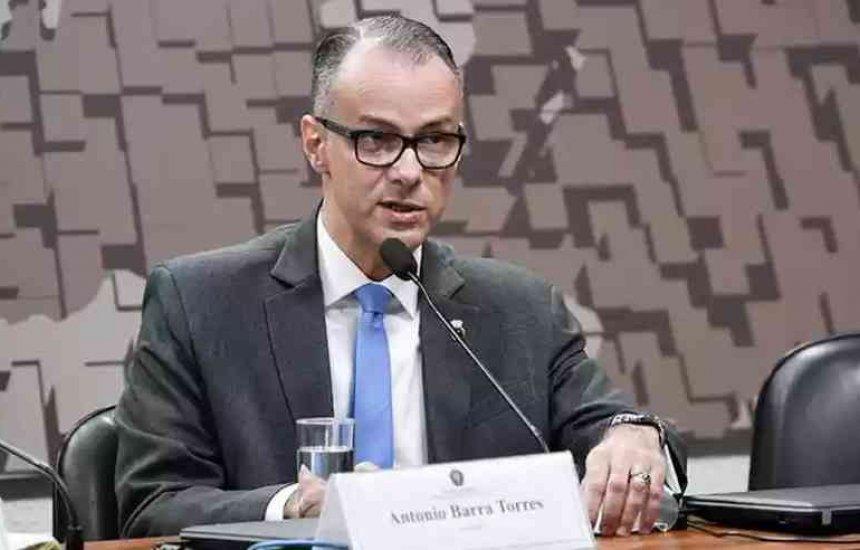 [Após ir a ato com Bolsonaro, presidente da Anvisa testa positivo para covid-19]
