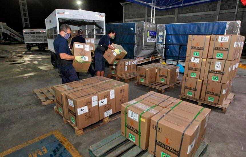 [Governo da Bahia recebe 159 respiradores para serem distribuídos na capital e interior]