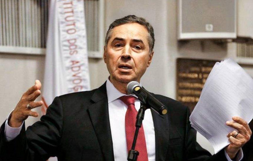[Eleição pode ser dividida em 2 dias ou ir até as 20h, diz Barroso]