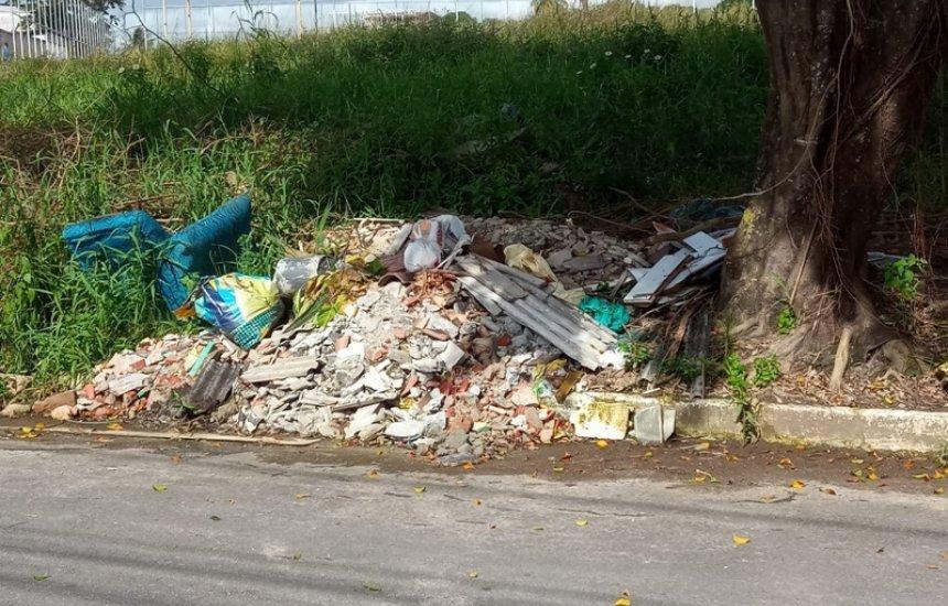 [Seu Bairro no CN: lixo e container abandonado preocupam morador da Gleba A]