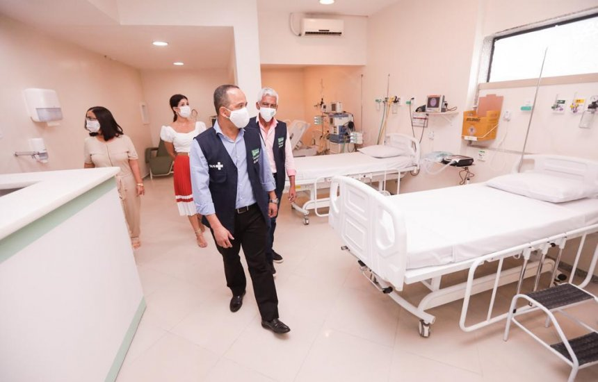 Leitos de UTI contratados no Hospital Santa Helena para pacientes com Covid-19 passam por vistoria
