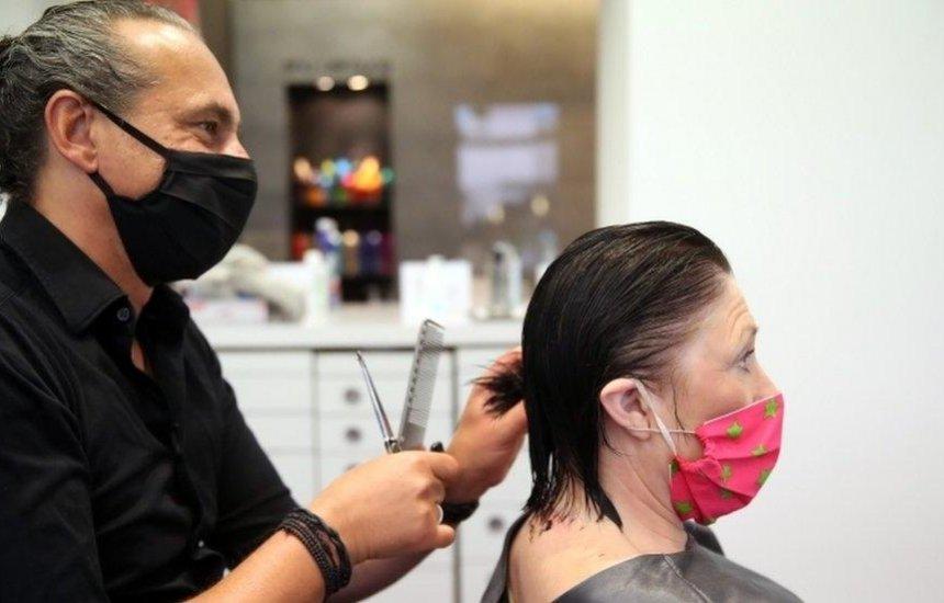 Especialista dá dicas de higiene e proteção para reabertura dos salões de beleza