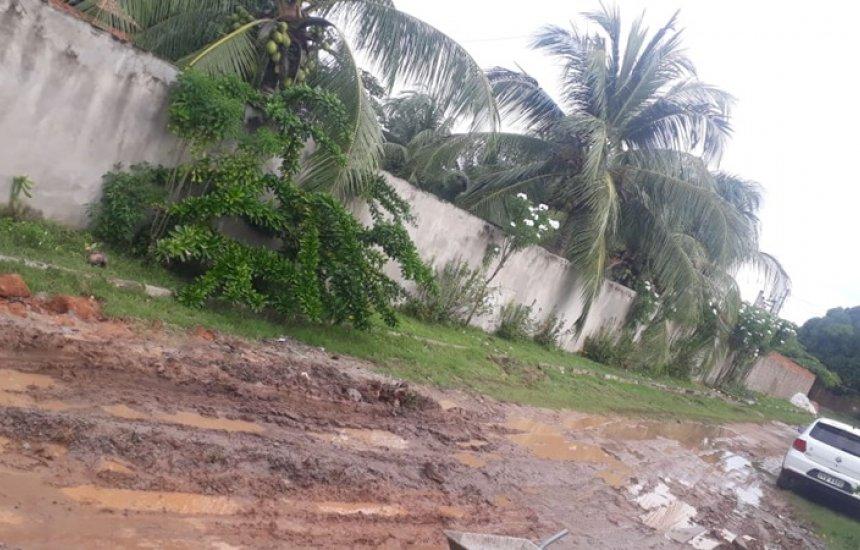 [Moradora reclama de falta de infraestrutura em Arembepe]