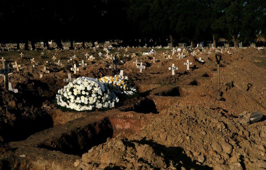 [Brasil passa de 96,3 mil mortos por Covid e 2,8 milhões de casos]