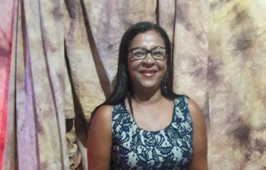 [Pré-candidata a vereadora Marli do posto recebe felicitações pelo seu aniversário]