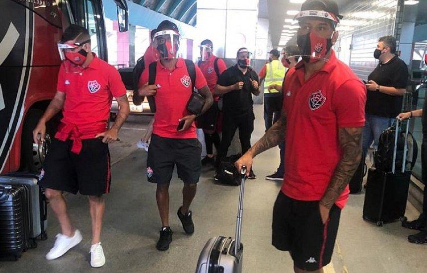 [Com 22 atletas, Vitória viaja para primeiro jogo fora na Série B]