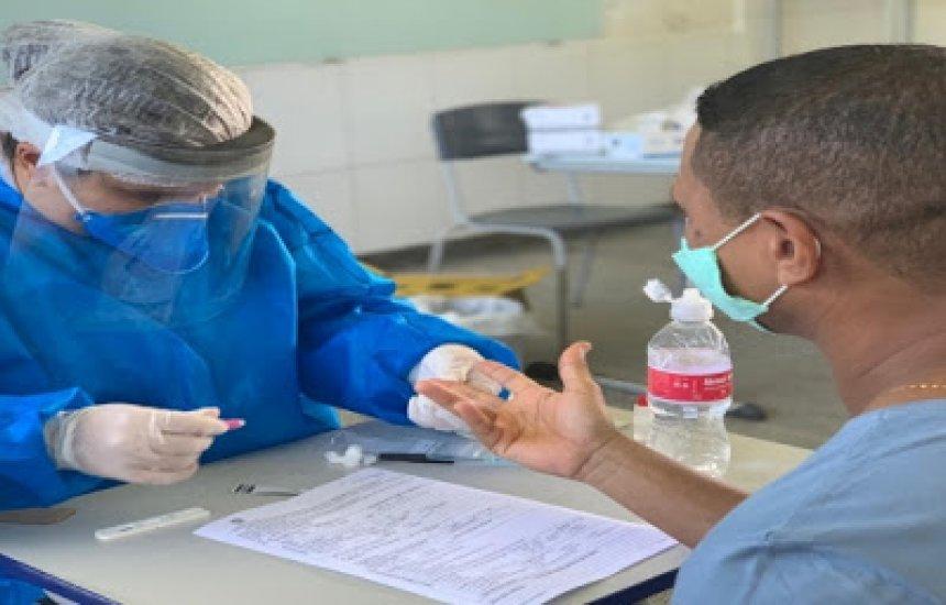 [Testagem é realizada em funcionários e professores nas escolas estaduais de Itabuna e Ilhéus]