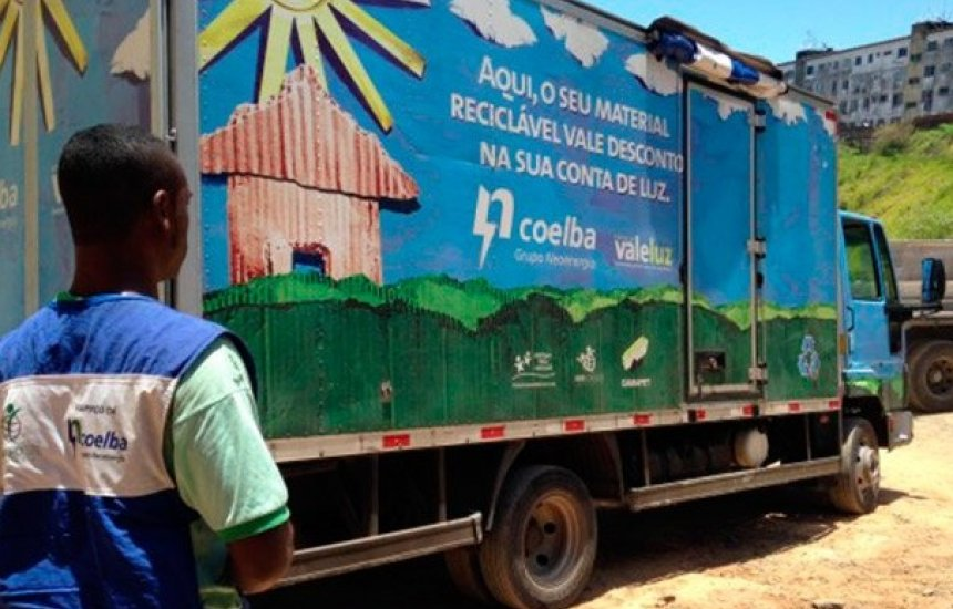 [Camaçari: Projeto Vale Luz recolhe materiais recicláveis em troca de desconto na conta]